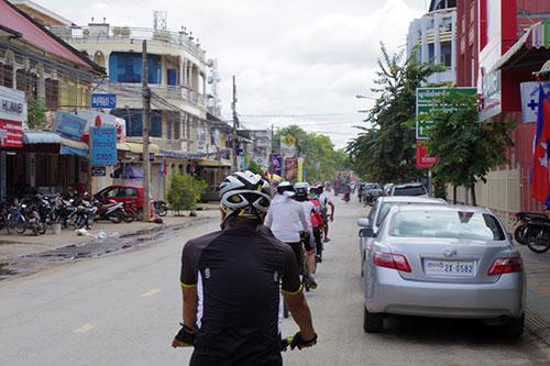 カンボジア・サイクリングツアー2014 アンコール遺跡&田舎道を走る 2日目 プノン・サンパウ2