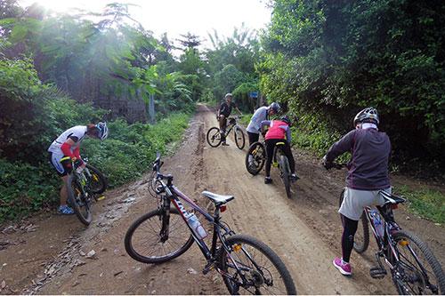 カンボジア・サイクリングツアー2014 アンコール遺跡&田舎道を走る 2日目 プノン・サンパウ10