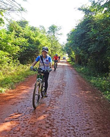カンボジア・サイクリングツアー2014 アンコール遺跡&田舎道を走る 8日目 西バライ3