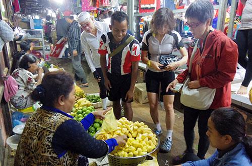 カンボジア・サイクリングツアー2014 アンコール遺跡&田舎道を走る 3日目 バンブートレイン1