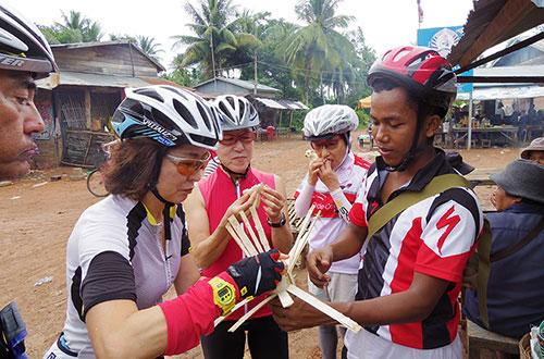 カンボジア・サイクリングツアー2014 アンコール遺跡&田舎道を走る 3日目 バンブートレイン6