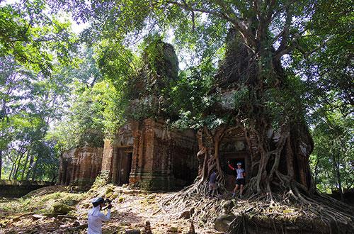 カンボジア・サイクリングツアー2014 アンコール遺跡&田舎道を走る 4日目 コーケー遺跡群8