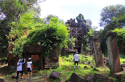 カンボジア・サイクリングツアー2014 アンコール遺跡&田舎道を走る 4日目 コーケー遺跡群12
