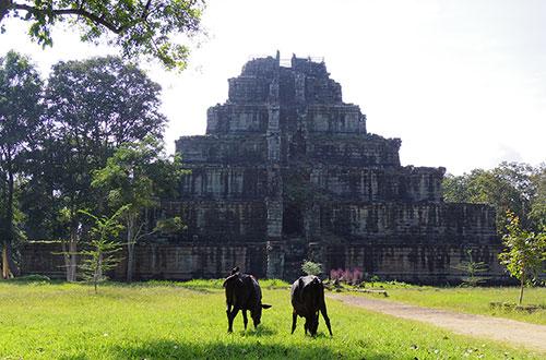 カンボジア・サイクリングツアー2014 アンコール遺跡&田舎道を走る 4日目 コーケー遺跡群16