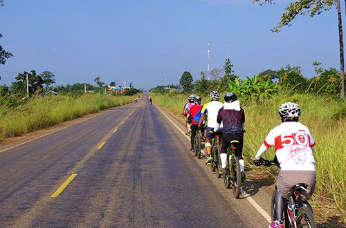 カンボジア・サイクリングツアー2014 アンコール遺跡&田舎道を走る 5日目 プレアヴィヒア2