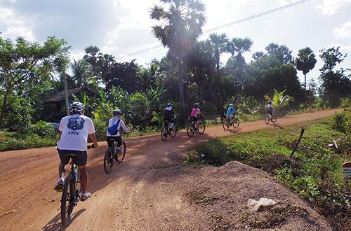カンボジア・サイクリングツアー2014 アンコール遺跡&田舎道を走る 6日目 ベンメリア遺跡7