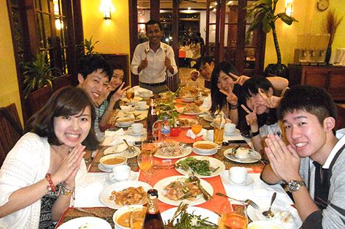 カンボジアツアー(スナーダイクマエ孤児院)1日目 食事