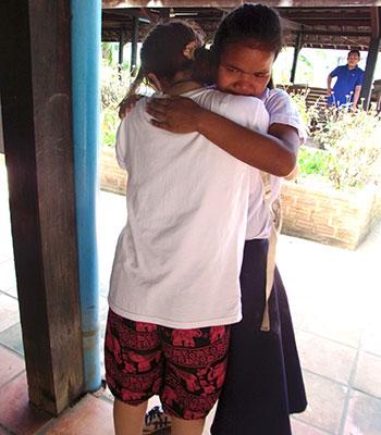 カンボジアツアー(スナーダイクマエ孤児院)2日目 再会の涙