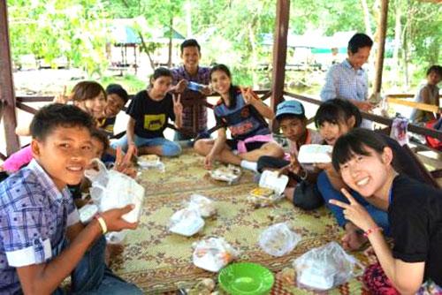 カンボジアツアー(スナーダイクマエ孤児院)3日目 プノンクーレン