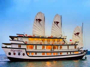 ジャンク船(シグニチャー号)に泊まるハロン湾1泊2日ツアー