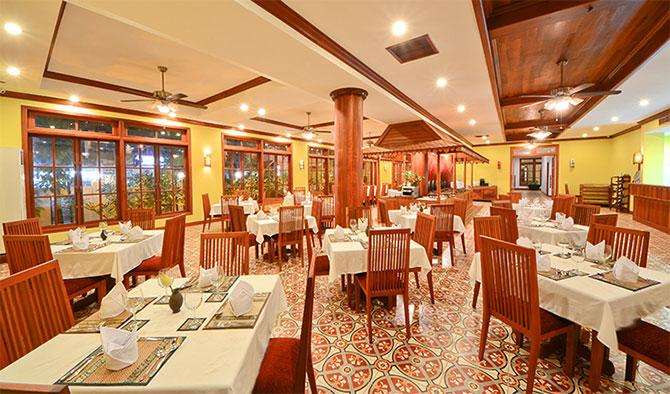 ロイヤルクラウンホテルのレストラン
